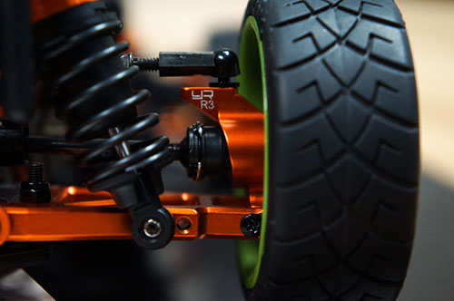 **Yeah Racing Aluminum Rear Hub/Knuckle Arm Toe-In 3 Degree For HPI Sprint 2