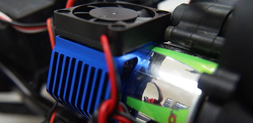 Yeah Racing Aluminum 540 Motor Heat Sink w/ Cooling Fan Blue #YA-0411BU
